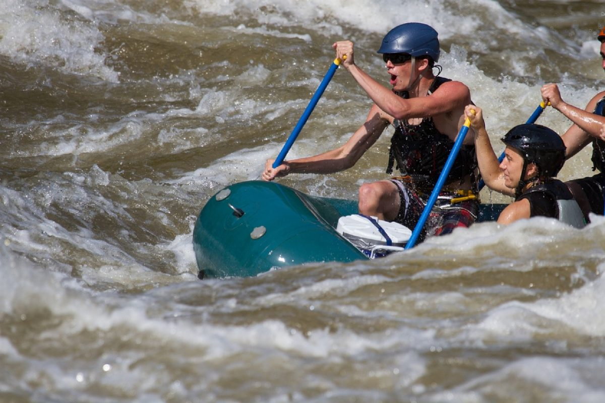 Going white water rafting for the first time how to white water raft