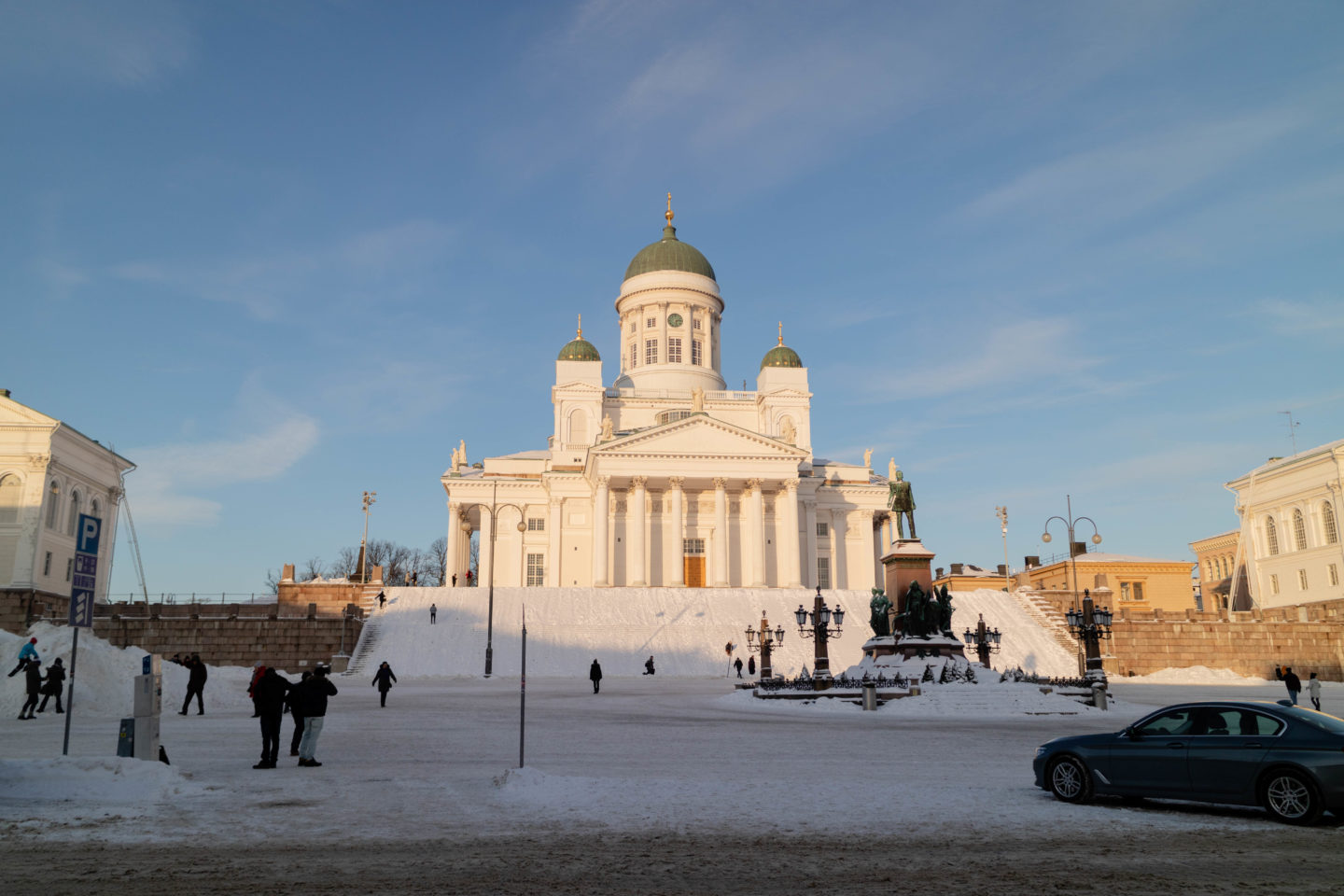 Helsinki in a day - Helsinki Cathedral and Senate Square