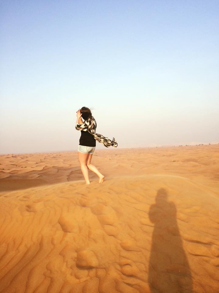 Dubai excursions, a desert safari with a photo shoot, girl in desert