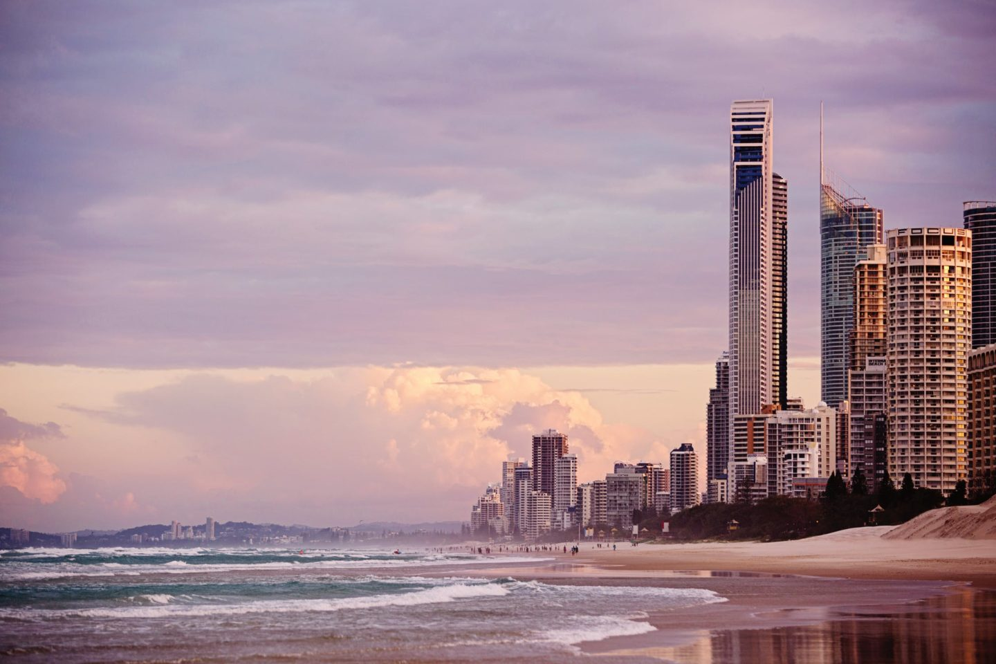 best places to visit on the gold coast, surfers paradise