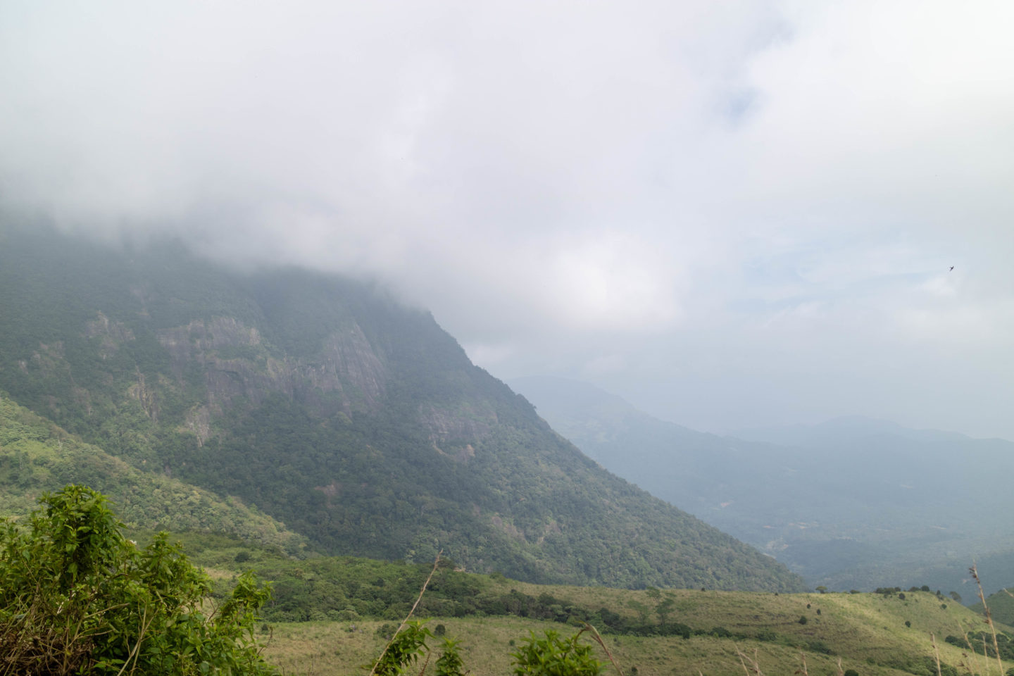 beautiful places in Sri Lanka, knuckles mountain range