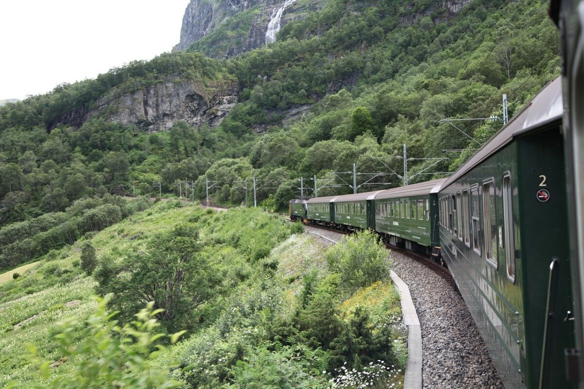 the flåm railway, oslo to flam train